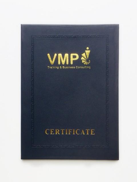 Bìa Đựng Bằng Tốt Nghiệp VMP – Ép Nhũ Vàng