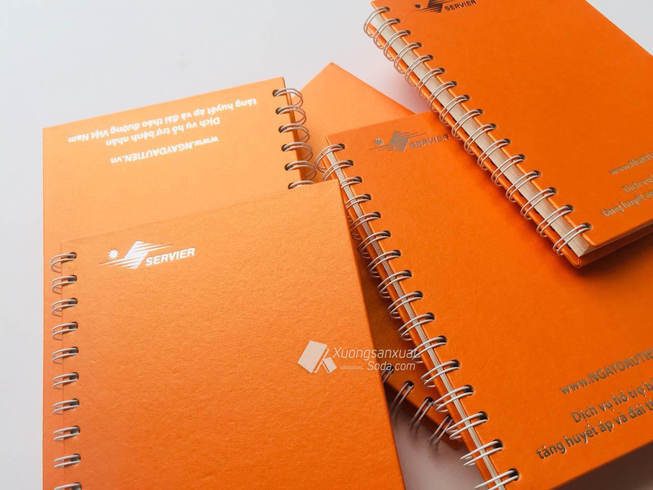 Sổ tay lò xo dành cho trường học và ghi chú.