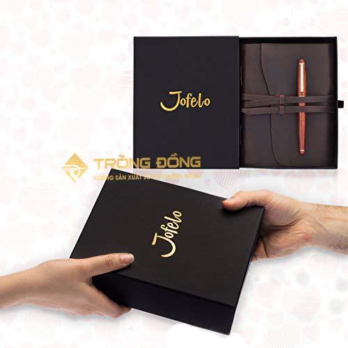 Tại sao doanh nghiệp nên chọn bộ Giftset sổ tay và bút bi in logo làm quà tặng?