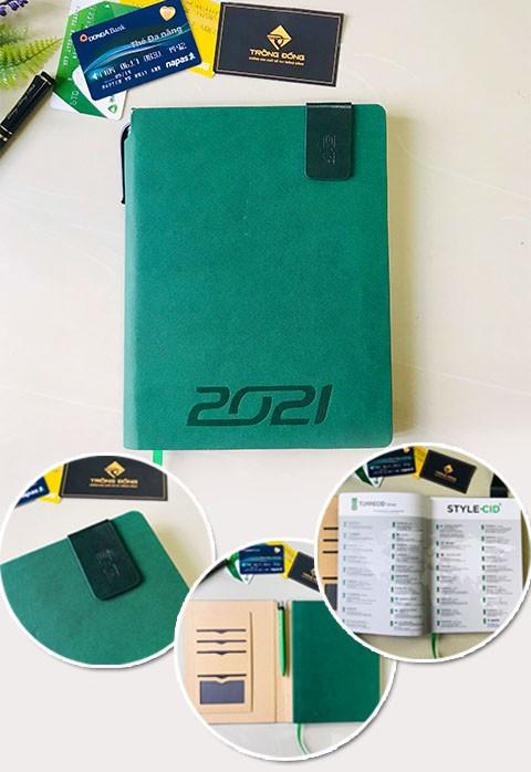 Sổ Da Dán Gáy Màu Xanh Lá Ép Nhiệt Logo TORRECID 2021- 218