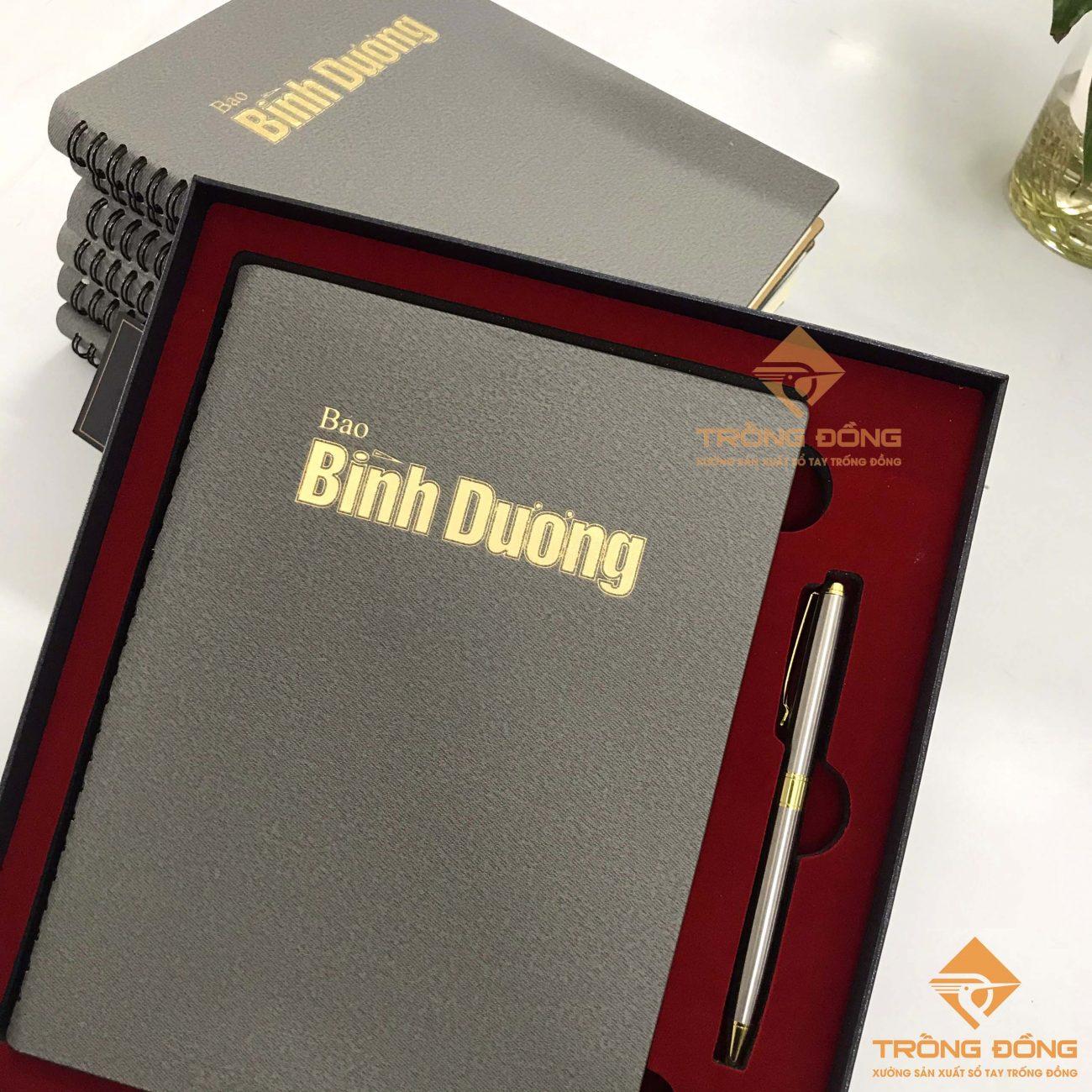 Cung cấp quà tặng doanh nghiệp bộ Giftset sổ tay và bút cao cấp.